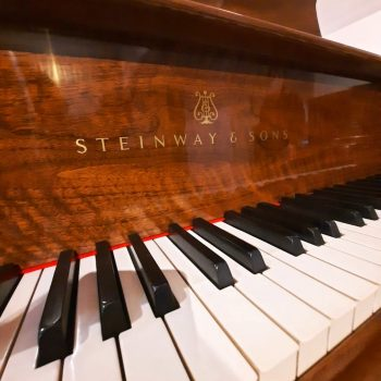 Steinway&Sons. Mod S-155 1